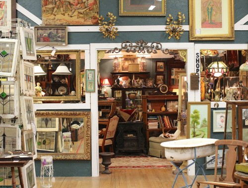Austin-antique-mall-furnitures