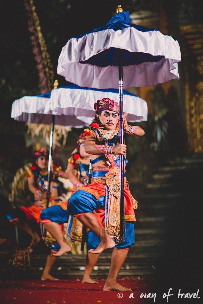 Indonesia Bali quoi faire visit Ubud danseurs traditionnels