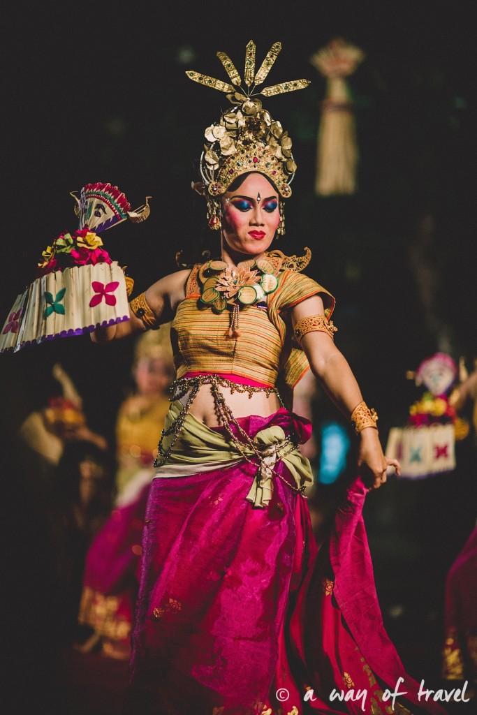 Indonesia Bali quoi faire visit Ubud danseuse