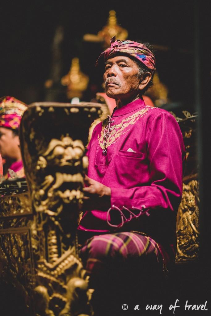 Indonesia Bali quoi faire visit Ubud musicien spectacle