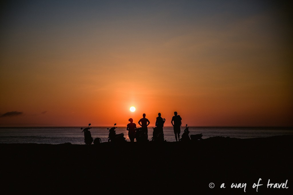 Visit Bali Indonesie Nasi Lembongan sunset couchet soleil evil tears