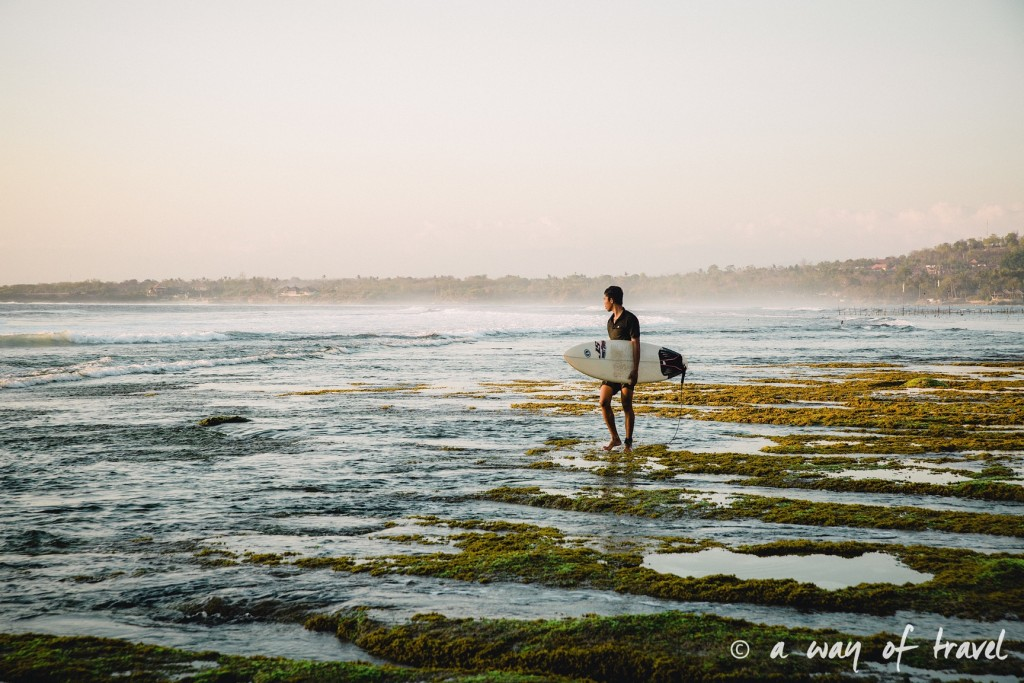 Visit Bali Indonesie Nasi Lembongan surfeur secret point