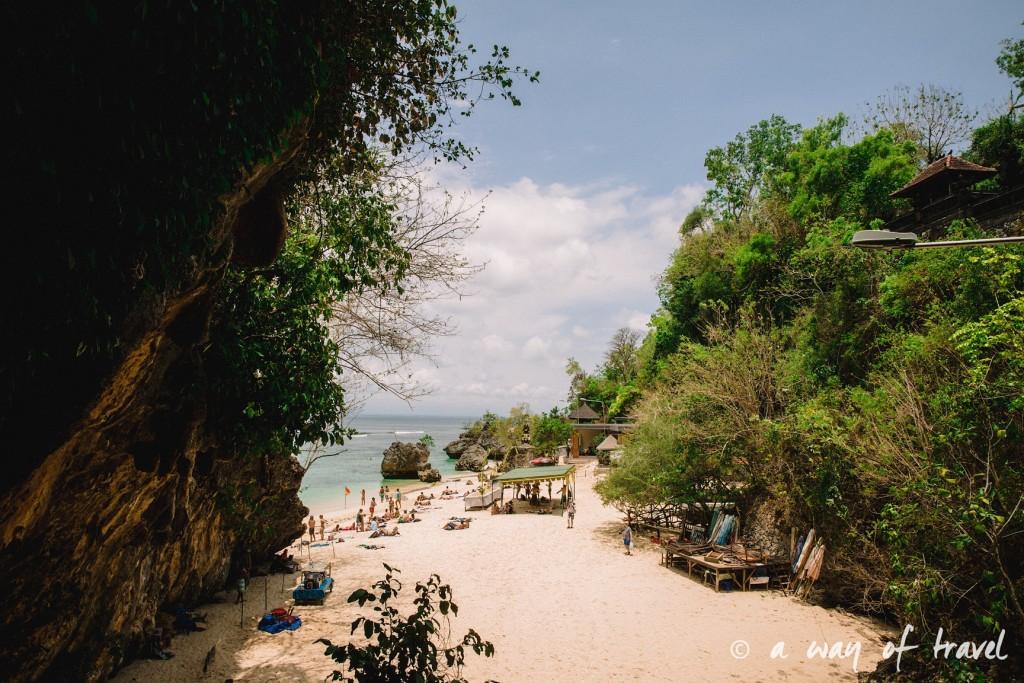 bali indonesie visiter uluwatu blue point padang padang beach surf surfeur 1