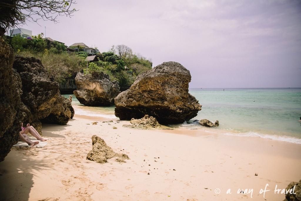 bali indonesie visiter uluwatu blue point padang padang beach surf surfeur 4