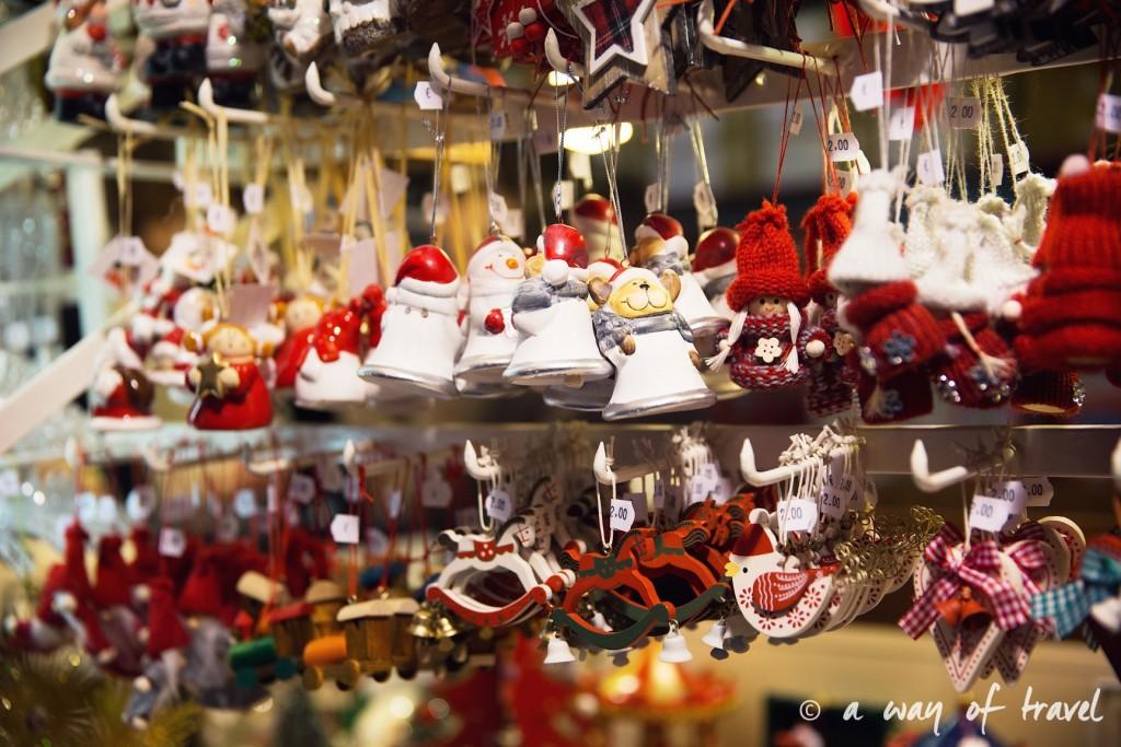 visit strasbourg marche noel christmas market capitale décoration