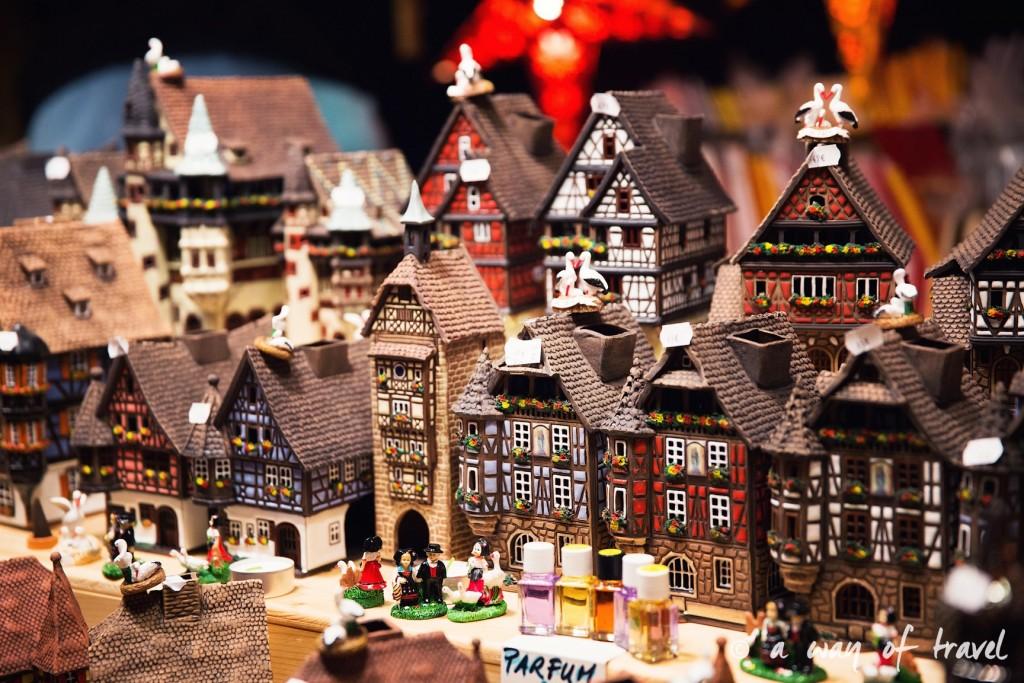 visit strasbourg marche noel christmas market capitale maisons