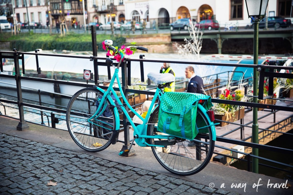 visit strasbourg marche noel christmas market capitale velo canal