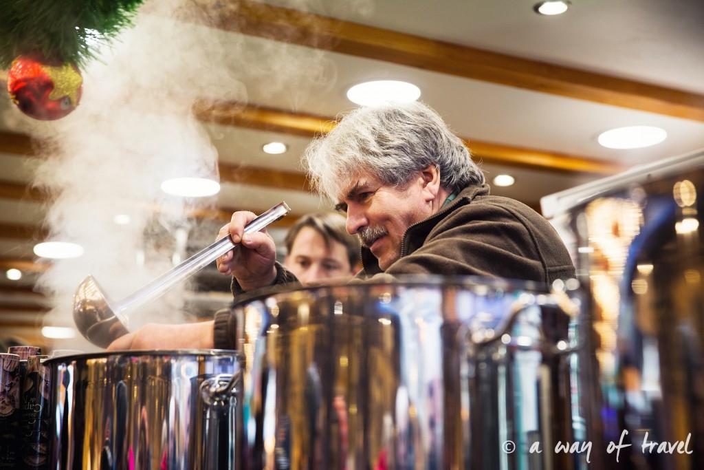 visit strasbourg marche noel christmas market capitale vin chaud