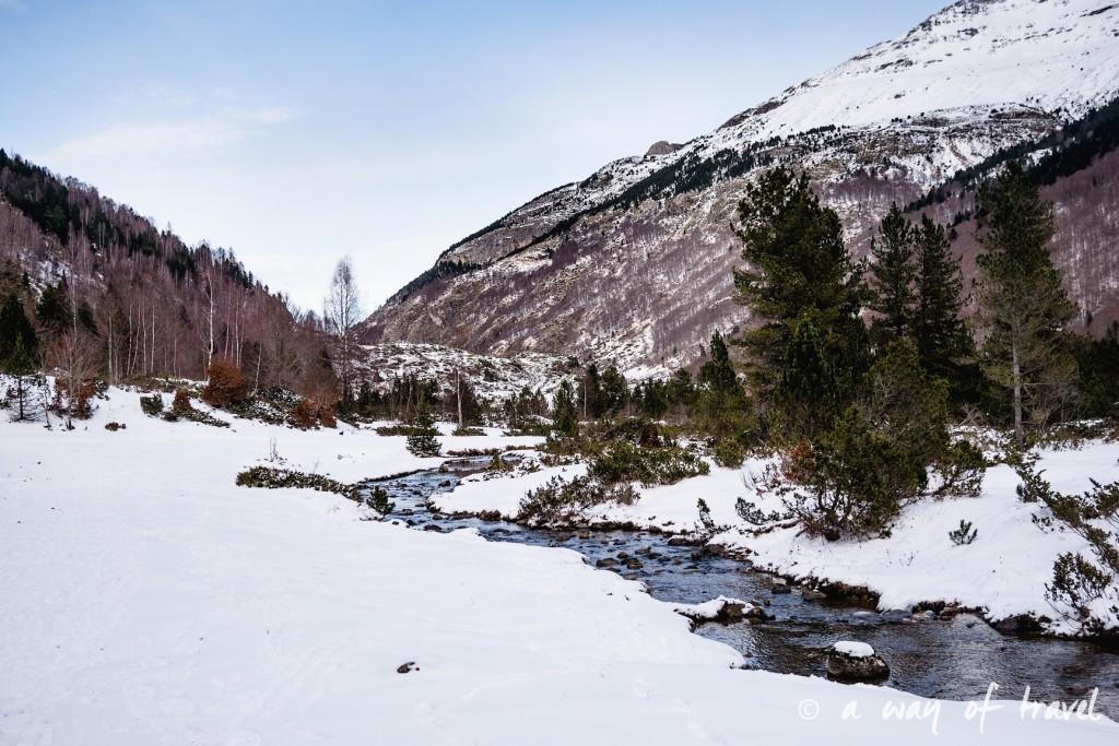 Randonnée neige raquette cirque garantie pyrenees montagne 14