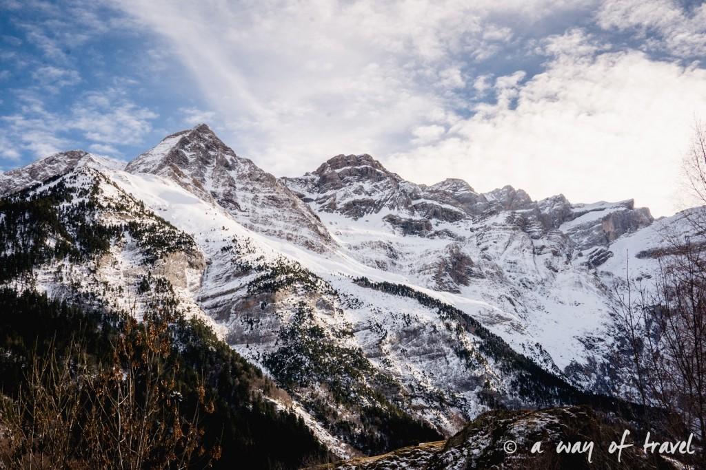 Randonnée neige raquette cirque garantie pyrenees montagne 16