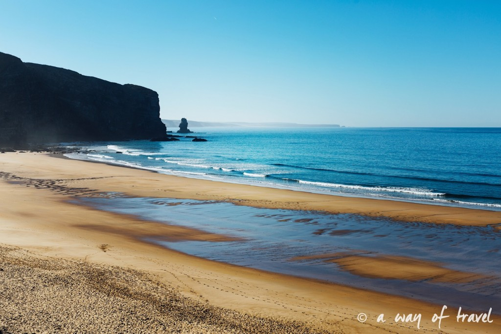 road-trip-portugal-algarve-visiter-25-arrifana-praia