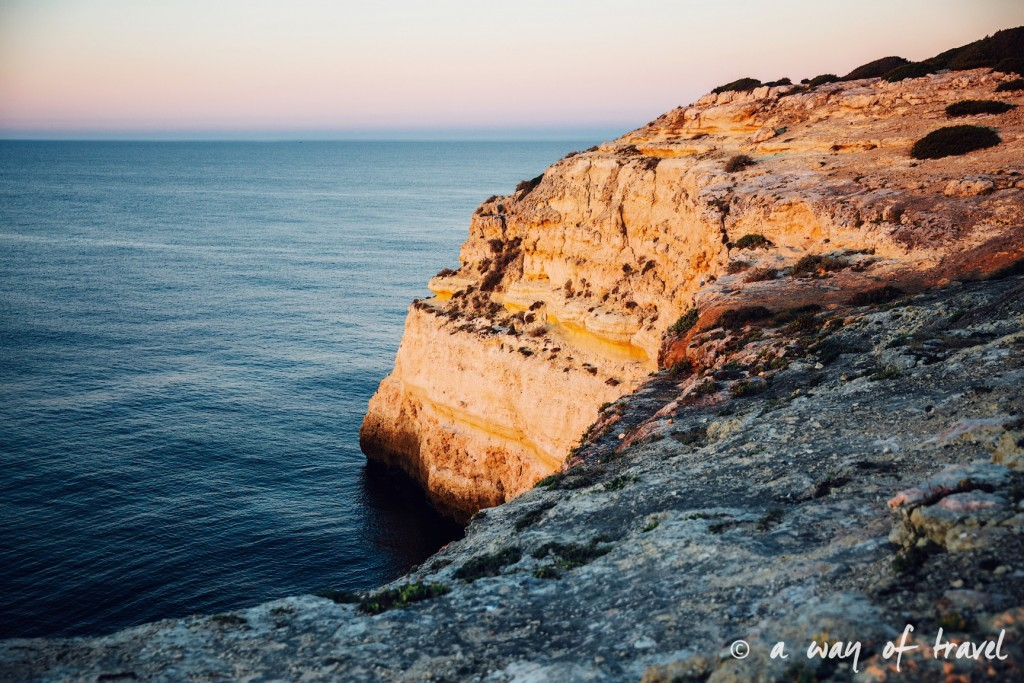 road-trip-portugal-algarve-visiter-7-benagil-van