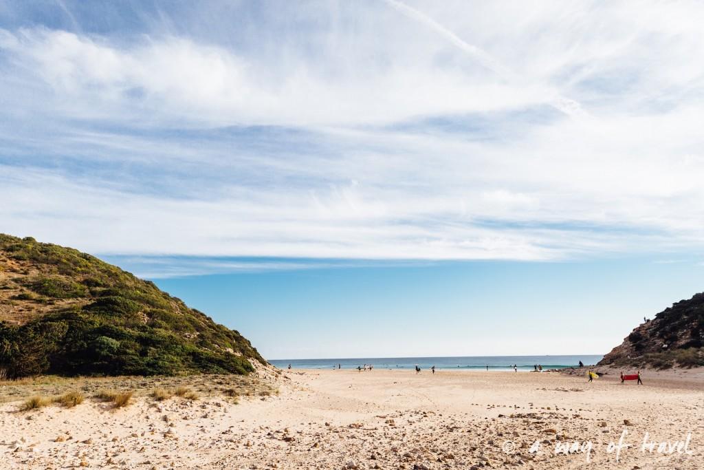 roadtrip-portugal-algarve-zavial-beach-praia-surf