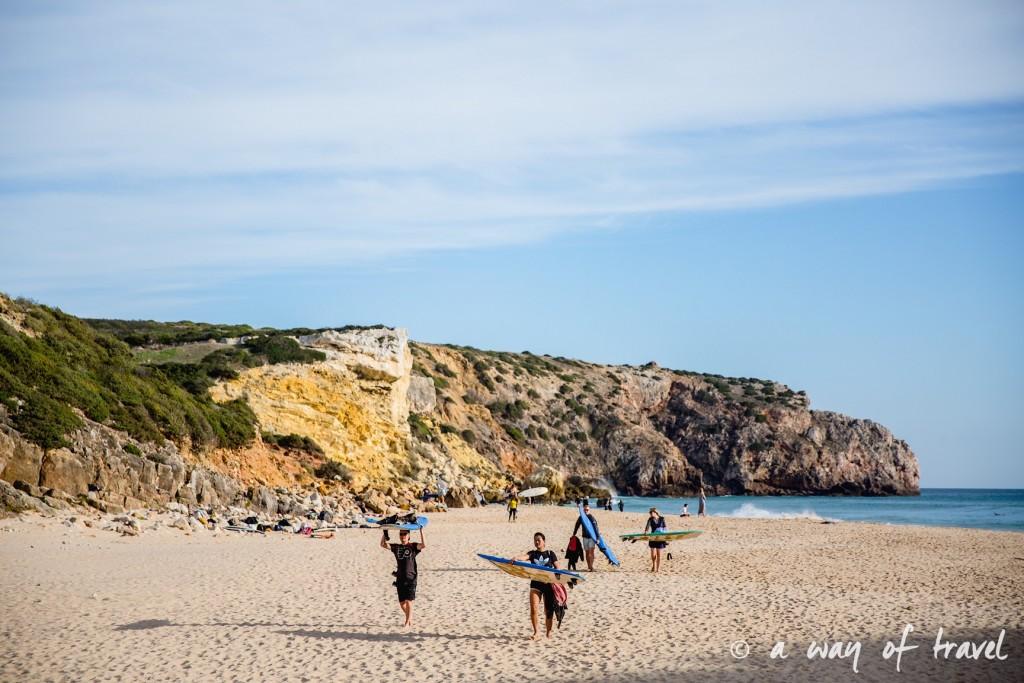 zavial-beach-praia-surf-portugal-algarve-combi-vw-visit-25