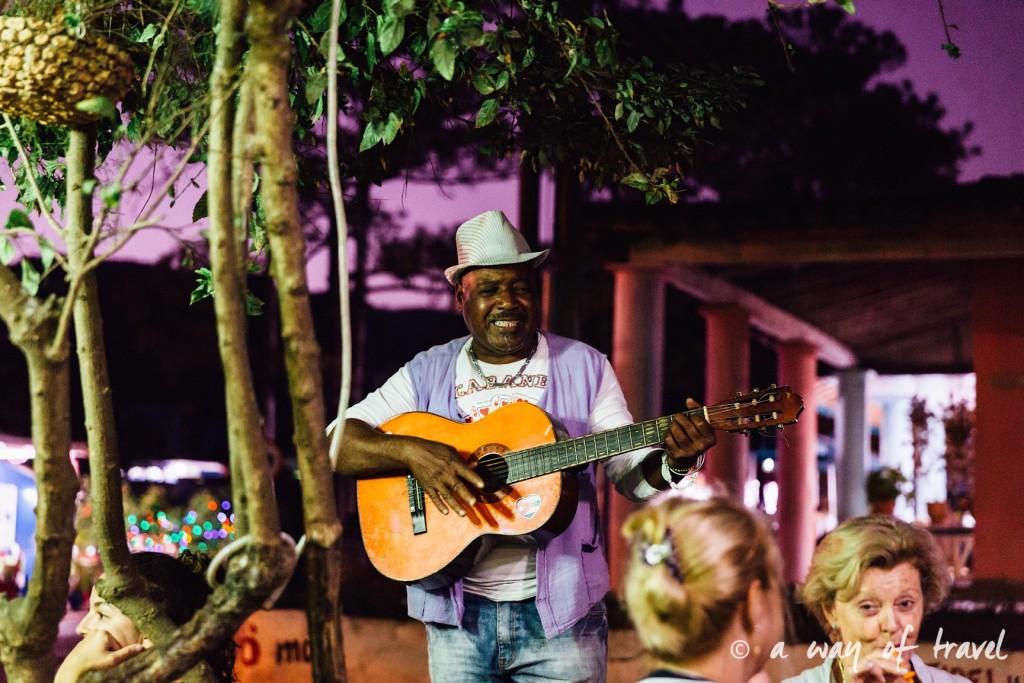 Musicien Vinales Cuba Guide Voyage 5