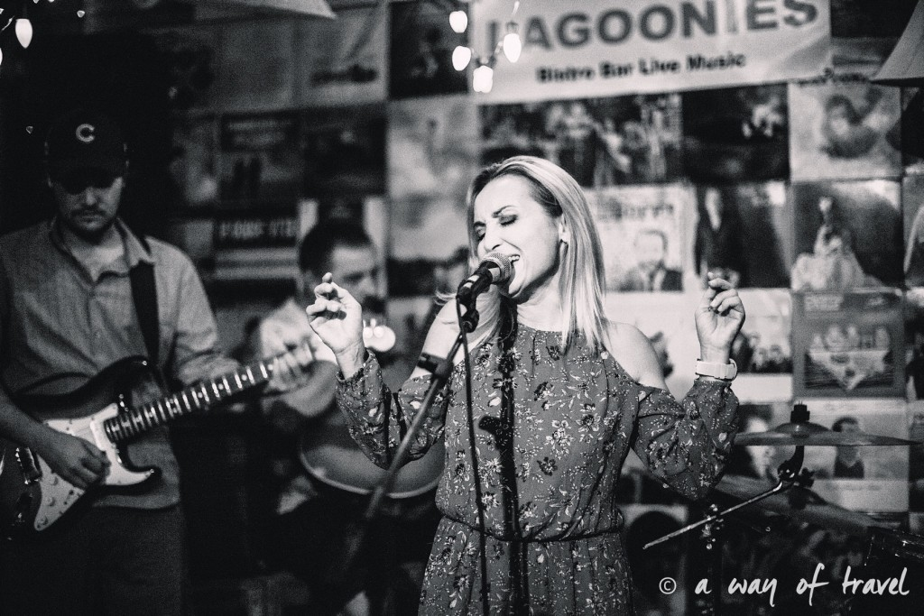 lagoonies bar sxm saint martin sint maarten concert 8