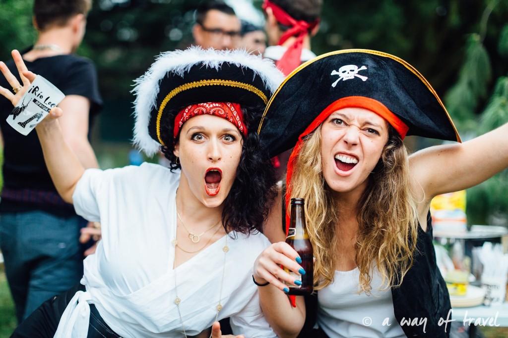 Soiree theme pirate fete deco anniversaire deguisement 27